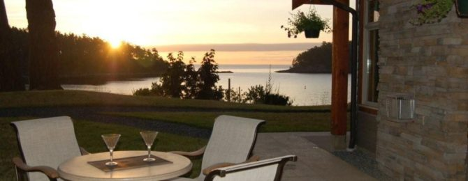 Mayne Island Restaurants and Pubs